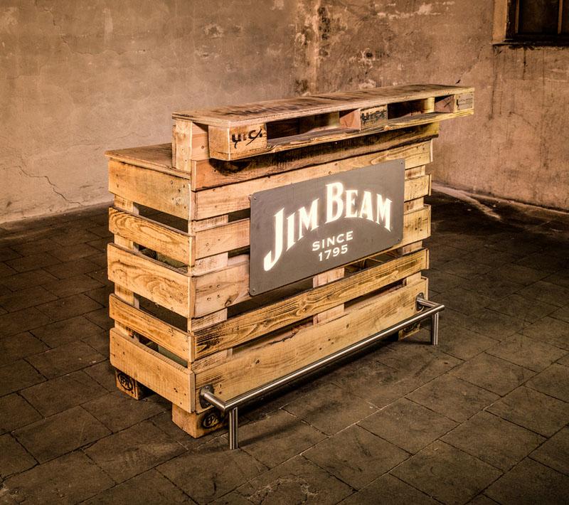 Local Heros Dortmund - Unsere Kreativität ist unser Plus - Palettentheke für Jim Beam