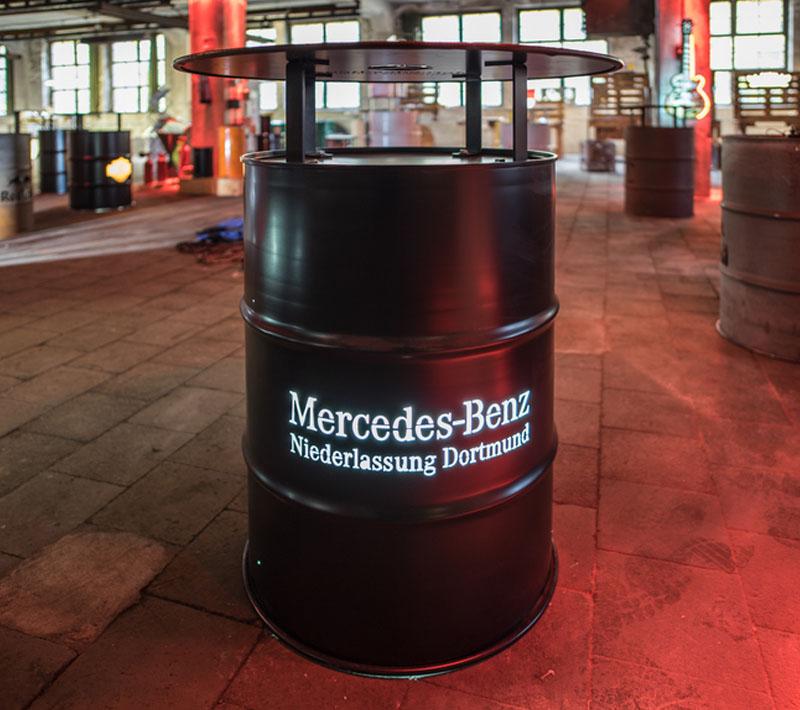 Local Heros Dortmund - Mit uns strahlt Ihr... - Mercedes Benz mit Beleuchtung und Stehtischaufsatz